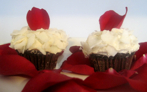 Indulge Your Senses With Bite Sized Gourmet Cupcakes